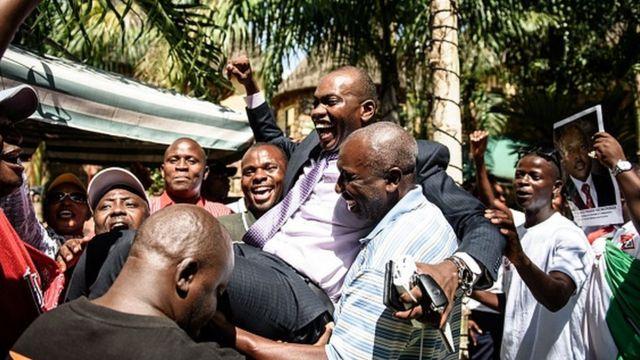 Willy Nyamitwe a été victime lundi soir d'une tentative d'assassinat au cours de laquelle son garde du corps a trouvé la mort.
