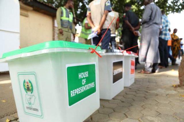 Les nigérians dans l'attente des résultats des élections présidentielles