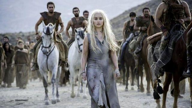 """""""Такты оюндарынын"""" (Game of Thrones) 6-сезондогу ар бир сериясын орточо алганда 25 миллиондон киши көргөн."""