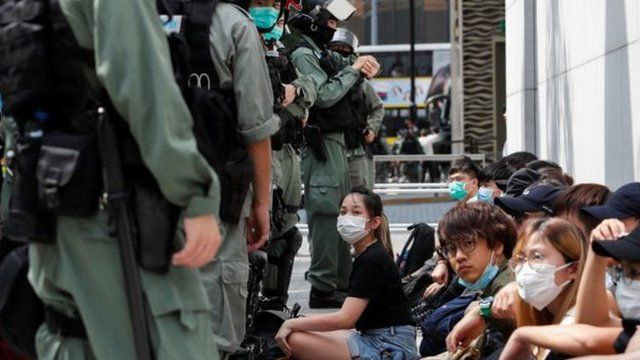 香港示威抗争不断