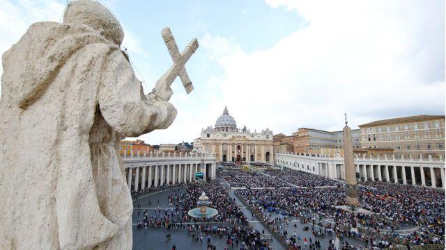 Пройти на площадь Святого Петра можно только после осмотра полицей
