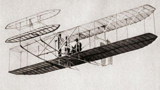 """""""Máquina que vuela"""" de los hermanos Wright ."""