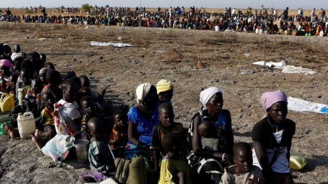 ألاف من سكان جنوب السودان ينتظرون توزيع المساعدات عليهم