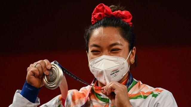 मीराबाई चानू: रियो की उस नाकामी के बाद टोक्यो ओलंपिक में धमाल की कहानी -  BBC News हिंदी