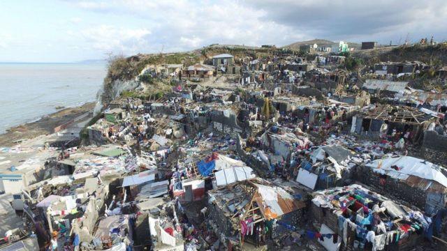 तूफ़ान मैथ्यू से हुई तबाही की तस्वीर