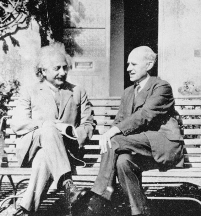 Einstein e Eddington