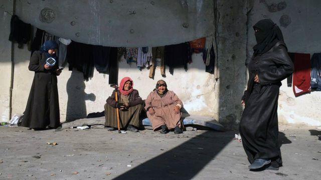 أسر بلا مأوى في حلب