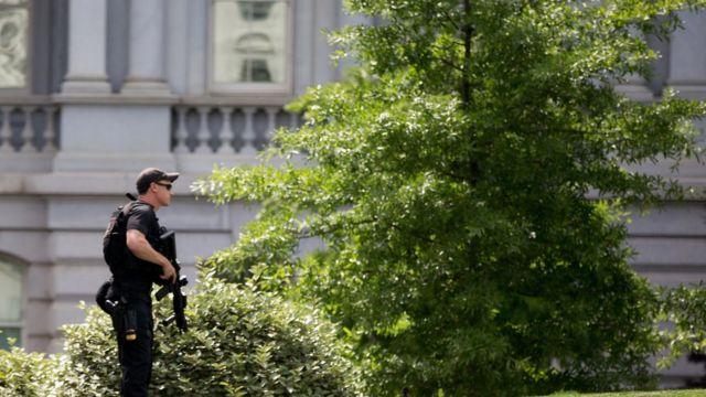 White House shooting: Secret Service stops armed man