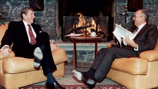انتخاب شهر ژنو برای این دیدار یادآور ملاقات تاریخی رونالد ریگان، رئیس جمهور وقت آمریکا و میخائیل گورباچف، رئیس جماهیر شوروی سابق، در این شهر در دوره جنگ سرد است