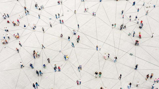 Seres humanos interconectados