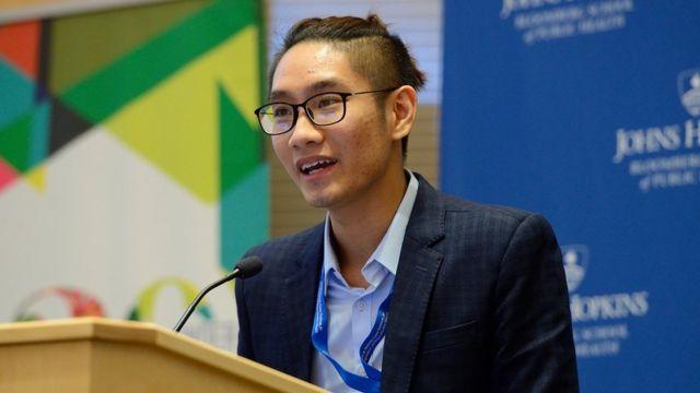 Lê Hoàng Minh Sơn nhận được học bổng của chính phủ Úc trong năm 2018 để theo học chương trình Thạc sỹ về Nghiên cứu Phụ nữ tại Đại học Flinders, Nam Úc.