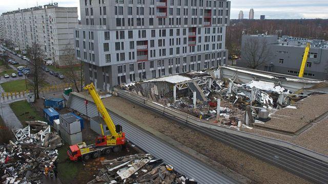 Обрушение торгового центра в Латвии