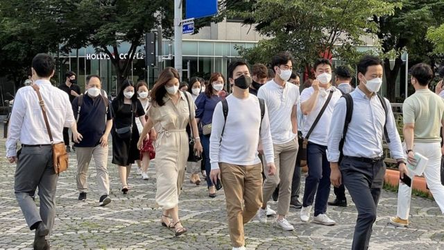 South Koreans have been asked to wear masks again
