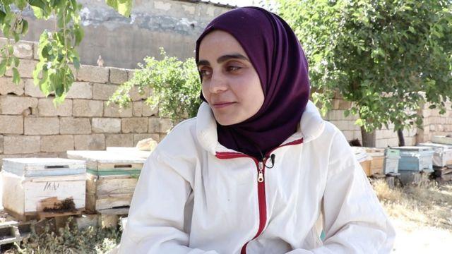 Mardin'de atanamadığı için arıcılık yapan Kürtçe öğretmeni Vahdet Uçar'ın fotoğrafı