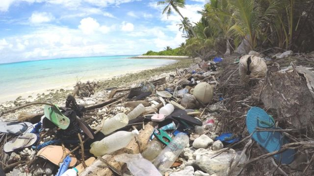 Plastic pollution: Flip-flop tide engulfs 'paradise' island