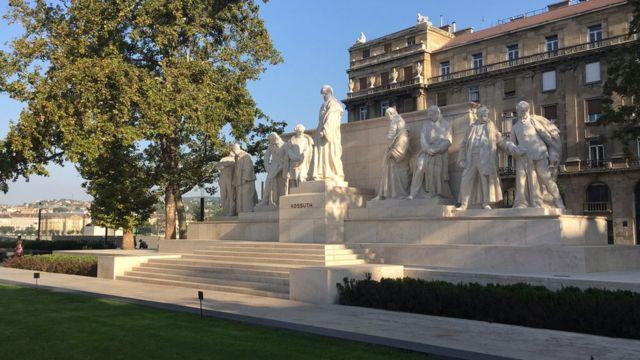 Tượng đài Budapest