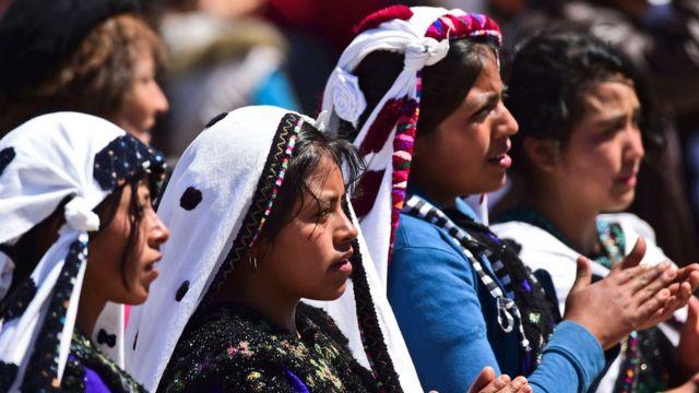 Tres mujeres indígenas en Chiapas, México