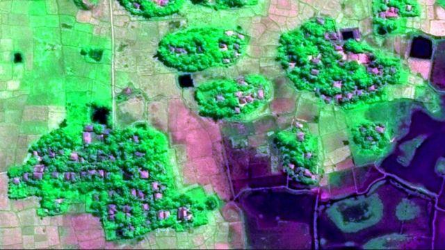 今月10日に撮影されたマウンドー地区内のワ・ペイク村の衛星写真