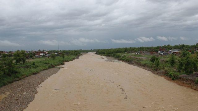 तिनाउ नदी