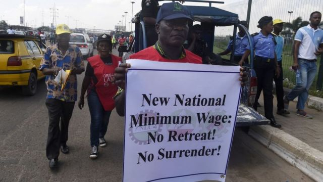 Pipo dey protest for road