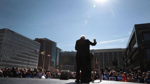Mitinglerde en büyük kalabalıkları toplamayı başaran Demokrat, Bernie Sanders'tı.