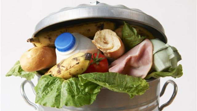 The apps and community fridges tackling food waste