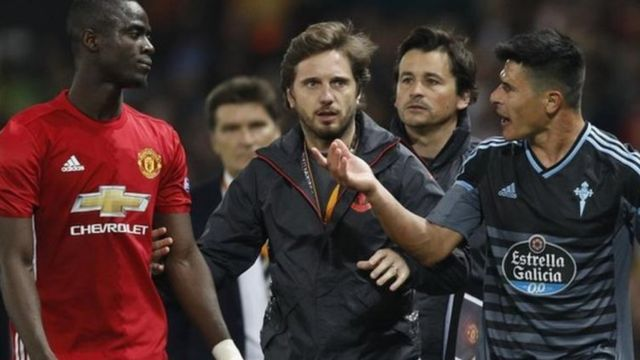 Eric Bailey wa Manchester United baada ya kupewa kadi nyekundu