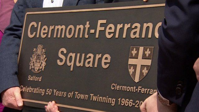 Plaque for Clermont-Ferrand square in Salford