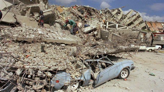 Edificios destruidos durante el terremoto de México en 1985.