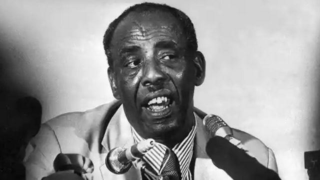 Maxamad Siyaad Barre ayaa xukunka Soomaaliya la wareegay 1969-kii