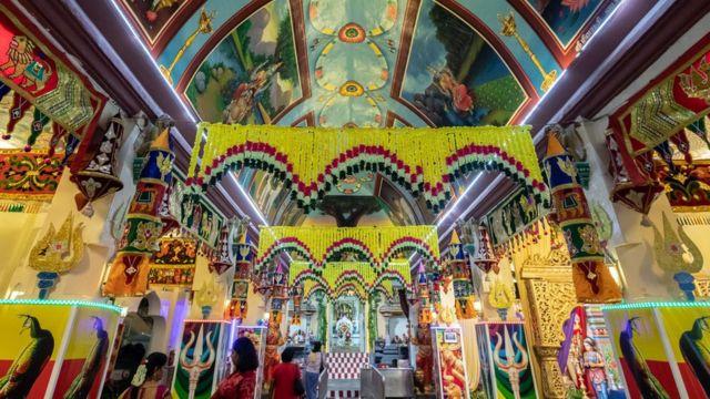 சிங்கப்பூர் மாரியம்மன் கோயில்