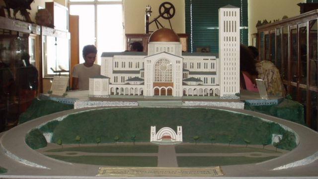 Maquete da Basílica de Aparecida, em exposição no museu que fica no interior da igreja