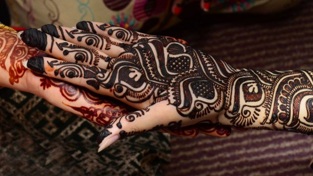Tatuagem de henna de indianas