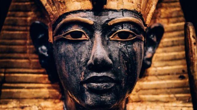 Голова деревянной скульптуры стражника Ка