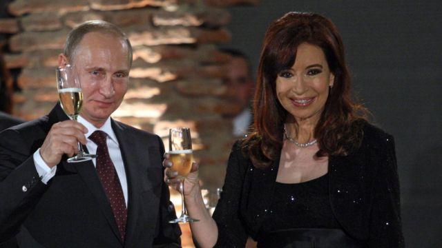 У Киршнер хорошие отношения с российским президентом Владимиром Путиным