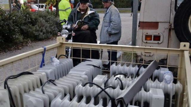 इटली में भूकंप से प्रभावित इलाकों में इलेक्ट्रिक हीटर ले जाए गए हैं.