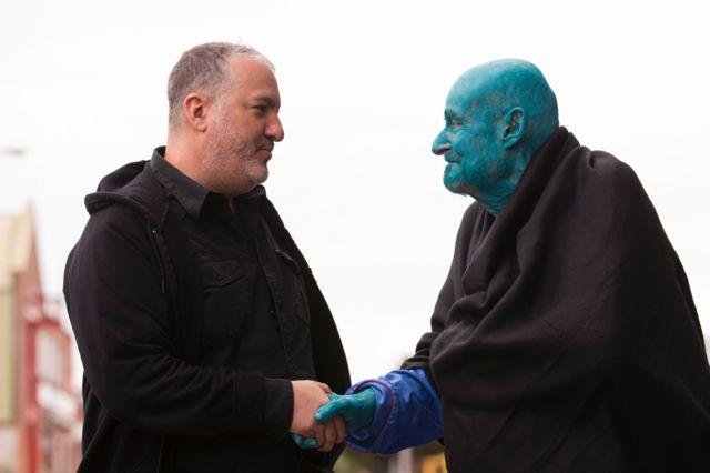 80-летний живущий в Аризоне бельгийский коллекционер Стефан Йенсен (справа)