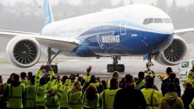 보잉은 일련의 시험비행을 더 거쳐 미연방항공청에 승인신청을 제출할 예정이다