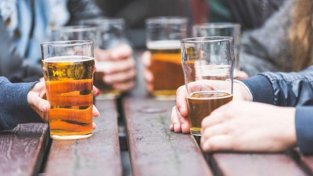 Los Meses Y Años Que Pierdes De Vida Si Bebes Alcohol A Diario Bbc News Mundo