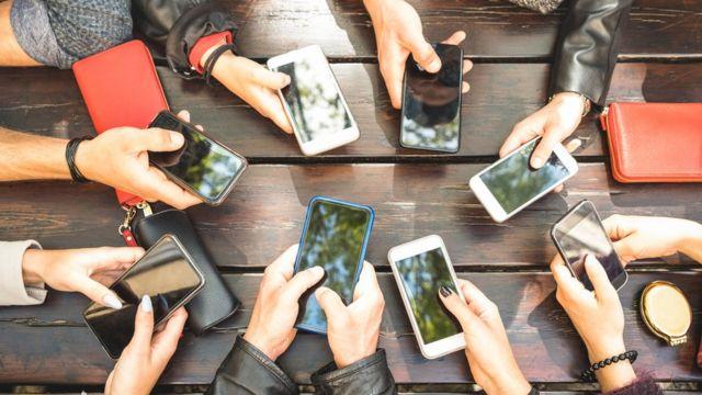 મોબાઇલ ફોન