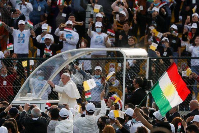 پاپ در اردبیل برای هزاران نفر سخنرانی کرد