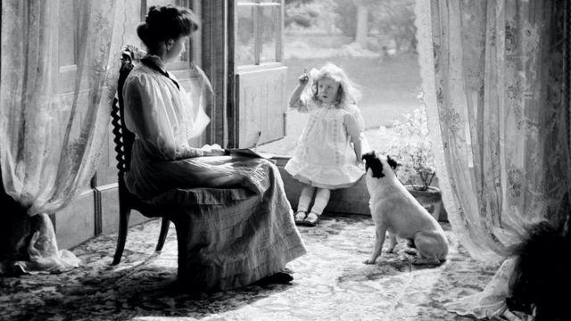 Родина з собакою