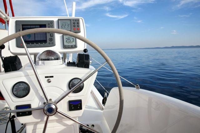 Система навигации на яхте