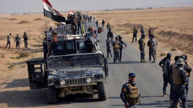 تواجه القوات العراقية المتجهة الى الموصل من الجنوب مقاومة شرسة