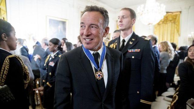 ايلين ديجينريس تحصل على أعلى وسام أمريكي لدورها في حركة المثليين