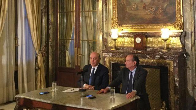 José Serra e Aloysio Nunes durante entrevista coletiva em Buenos Aires