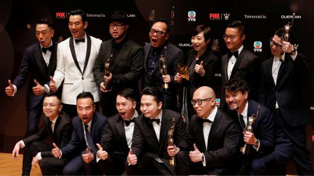 《樹大招風》主創團隊在香港電影金像獎頒獎禮後台合影