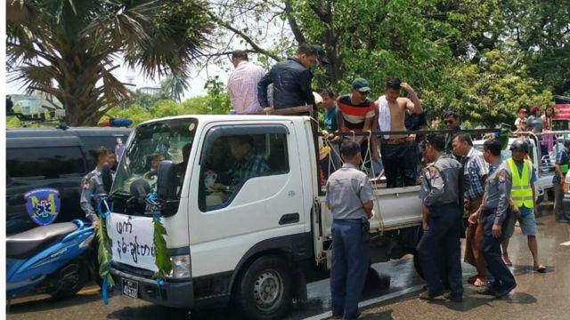 လူစည်ကားရာနေရာတွေမှာလည်း လုံခြုံရေး ဆောင်ရွက်
