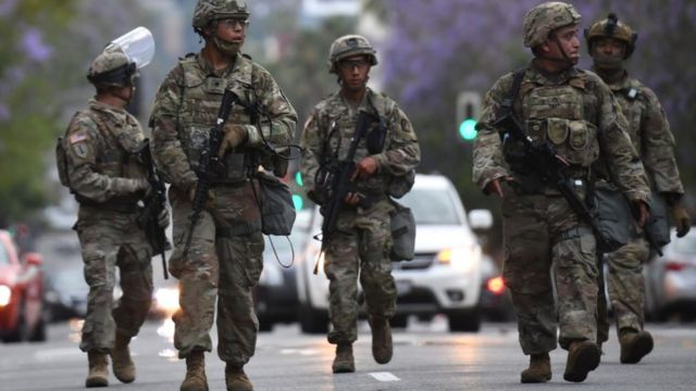 George Floyd protestoları: Trump orduyu sokağa çıkarabilir mi? - BBC News Türkçe