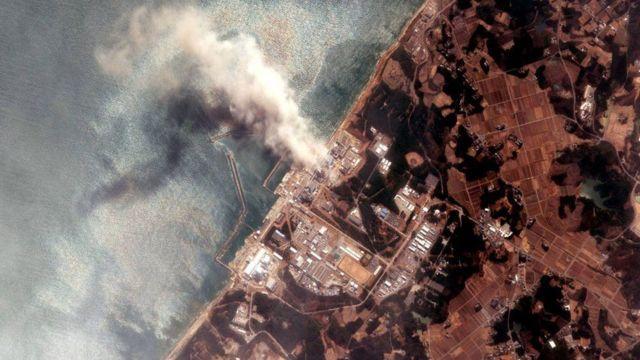 海啸导致核熔化和多次氢气爆炸。